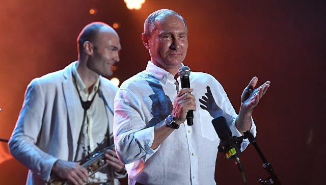 Аксенов назвал визит Путина на Koktebel Jazz Party знаковым событием