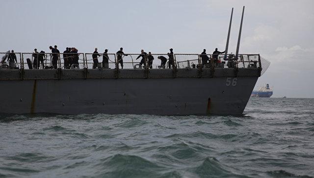 ВМС США заявили об обнаружении в отсеках эсминца останков пропавших моряков