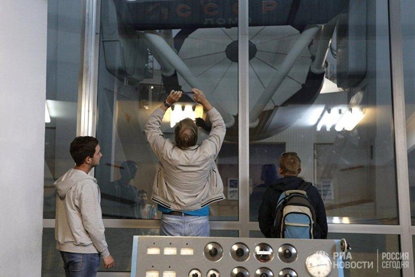 Основные здания обсерватории - административные и технические службы, лаборатории и жилые дома научного персонала - находятся в поселке Нижний Архыз, это так называемая нижняя научная площадка обсерватории.