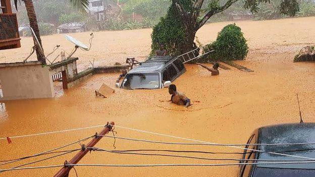 300 قتيل على الأقل في انهيار طيني في سيراليون
