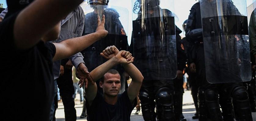 Столкновения между полицией и демонстрантами в Эль-Хосейма, Марокко. 20 июля 2017 года