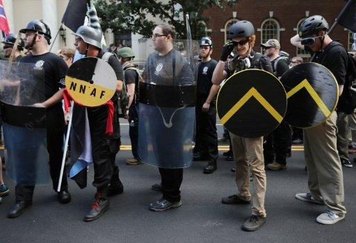 تصريحات ترامب تُطرب أنصار نظرية تفوق العرق الأبيض والنازيين الجدد