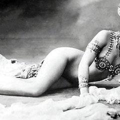 Пауло Коэльо расскажет о жизни Маты Хари в рамках проекта RT о 1917 годе