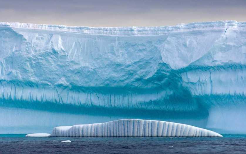 От Антарктиды откололся еще один огромный айсберг