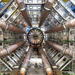 ЦЕРН: на БАК произошло 10 000 000 000 000 000-ное столкновение частиц
