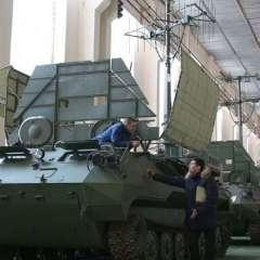 تشكيل عسكري من المنطقة العسكرية الغربية يزود بمنظومة جديدة للحرب الإلكترونية