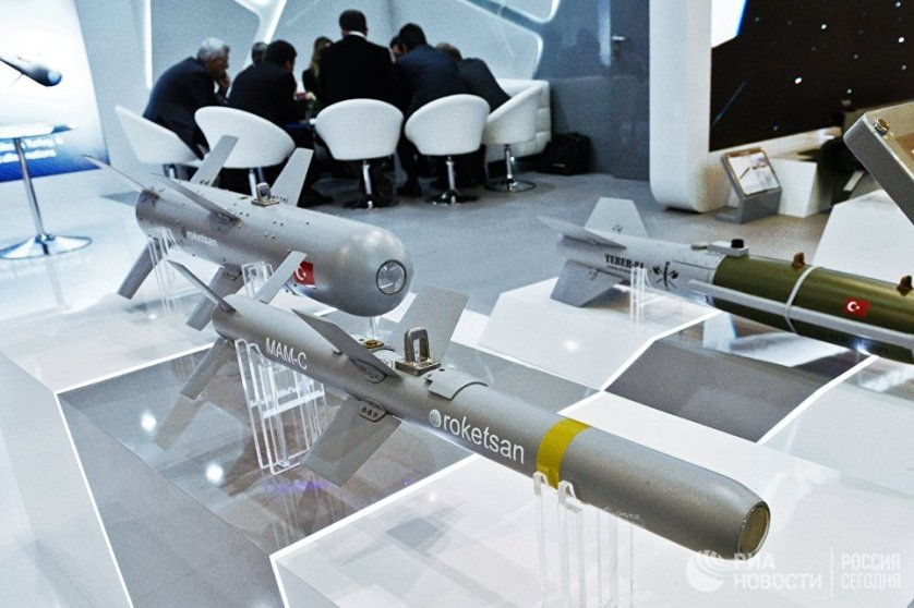 Макеты ракет турецкой компании ROKETSAN.