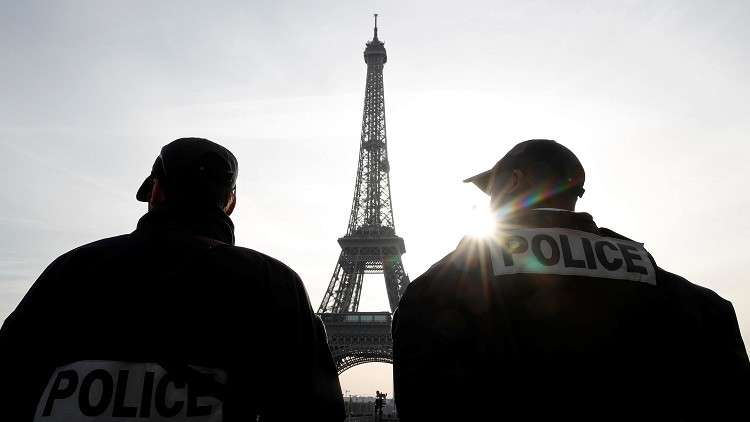 شرطي يقتل حماه واثنين من جيرانه ثم ينتحر في باريس