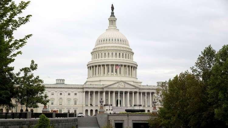 برلمانيون أمريكيون يطالبون ترامب بمد خط اتصال مباشر مع بيونغ يانغ لتفادي الصدام معها