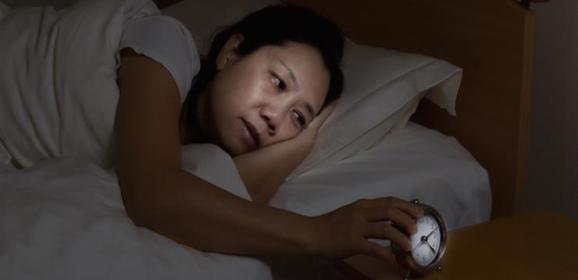 دراسة تبحث الصلة بين أعراض انقطاع الطمث واضطرابات النوم