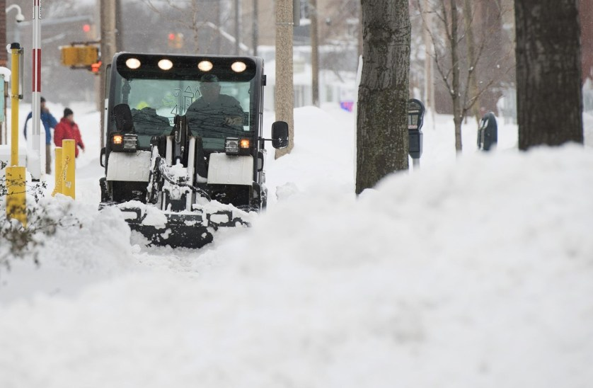 شمال شرق الولايات المتحدة يستعد لعاصفة قوية وفيضانات