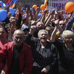 Сторонники Пашиняна вновь начали перекрывать дороги