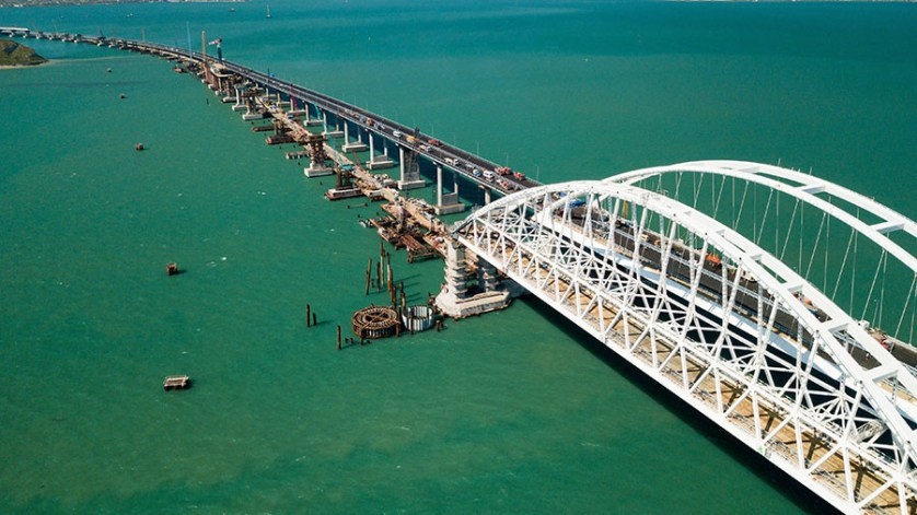 Bridge from mainland Russia to Crimea hours away from opening