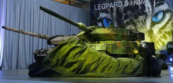"""سنغافورة تشتري دبابات """"ليوبارد"""" الألمانية سرا"""