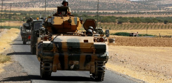 Turkish & US troops coordinate 'independent' patrols near Kurdish-held town in Syria
