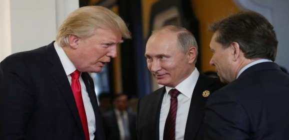من سيرافق ترامب إلى قمته مع بوتين؟
