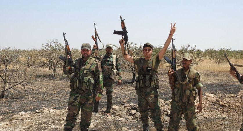 """مسيرات الجيش السوري تمشط خان شيخون بعد فرار """"النصرة"""""""
