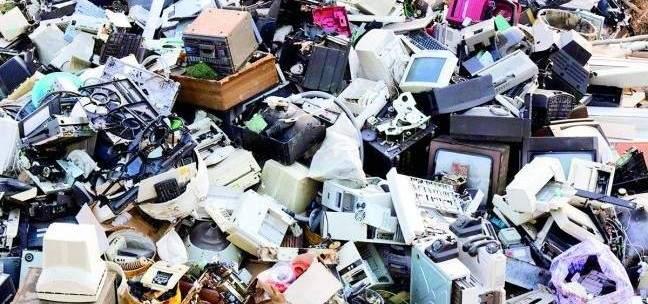 تهريب النفايات الإلكترونية لأفريقيا عبر الجزر الإسبانية