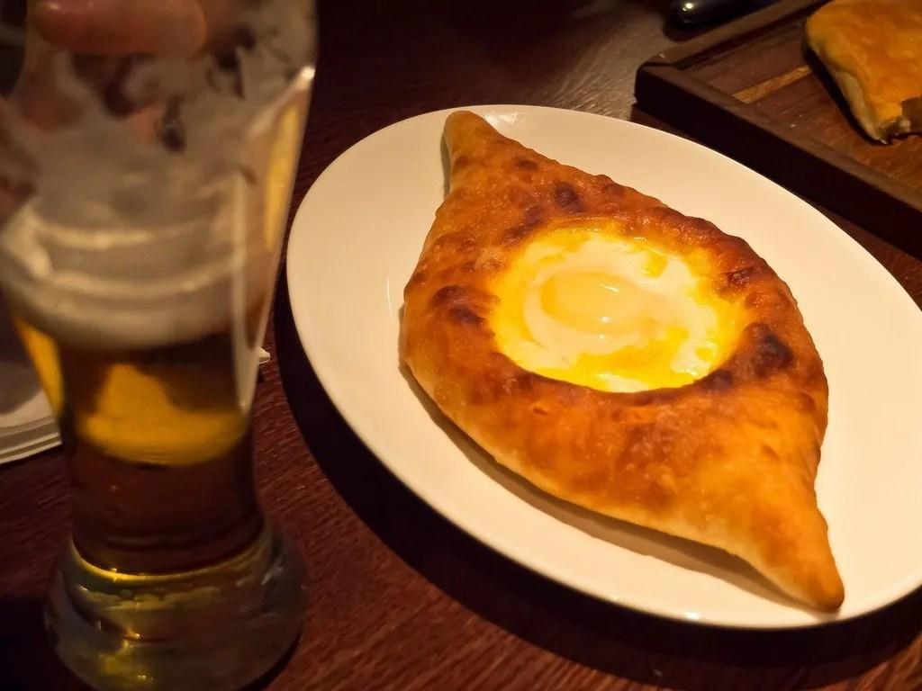 Cosa mangiare a Mosca? Sicuramente il khachapuri!