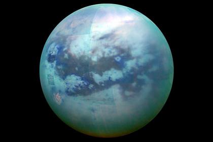Метановые облака Титана показали на снимках