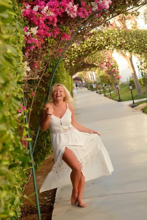 Julia  russian brides naked