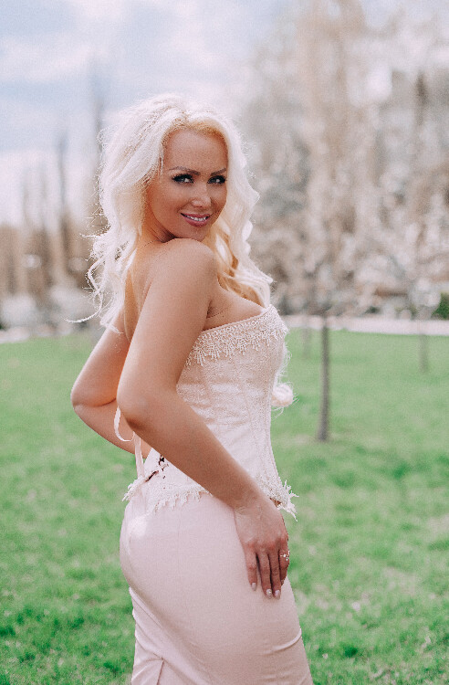 Anastasia russian dating vsamerican dating