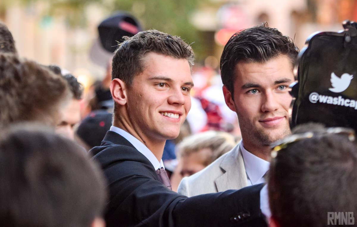 #CapsNeighbors Andre Burakovsky and Tom Wilson pose for a selfie