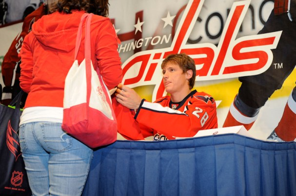 Alex Semin signs autographs for fans at the Caps Convention