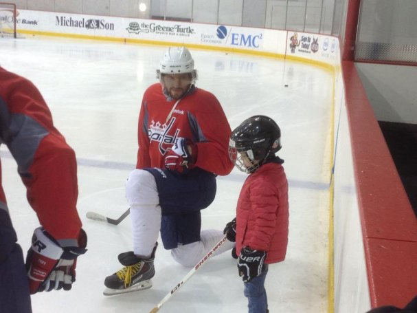 alex-ovechkin-skates-with-5-yr-old