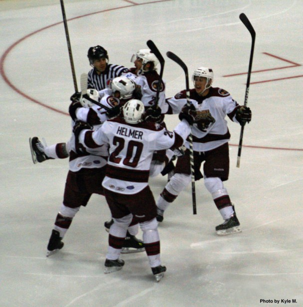 bears-celebrate-after-goal