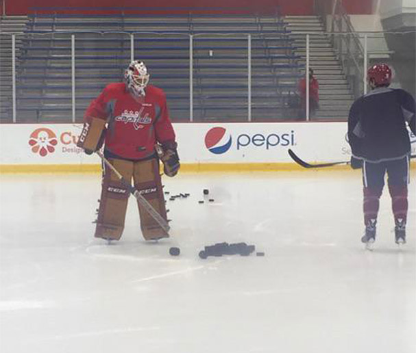 braden-holtby-gear-winter-classic