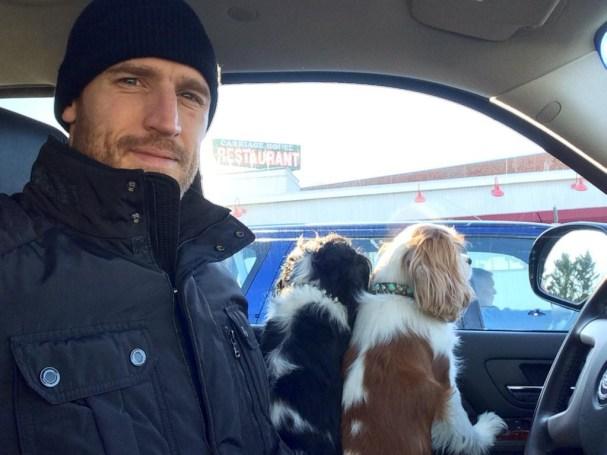 brooks-laich-julianne-hough-dogs