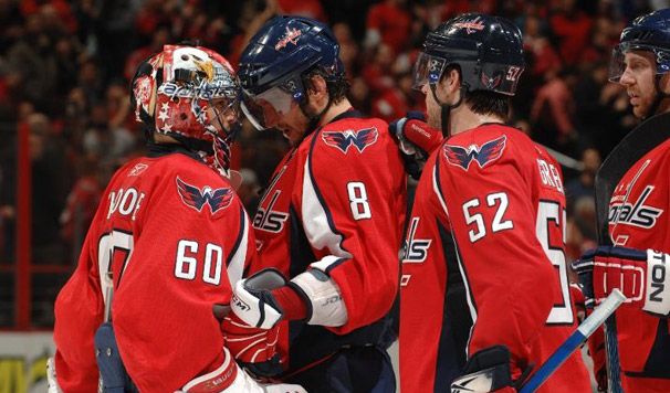 Caps Beat Leafs 6-1 - Five Points For Ovechkin