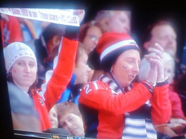 Elyssa Klopfenstein and Stacey Watkins at the Thrashers/Caps Game