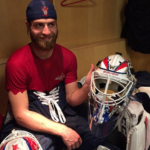 caps-holtby-mask