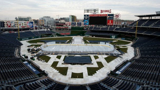 caps-winter-classic-rink-build