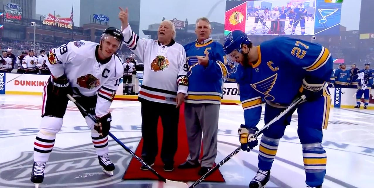 9536a982066 NHL forgets to give Bobby Hull and Brett Hull pucks for Winter Classic  ceremonial faceoff