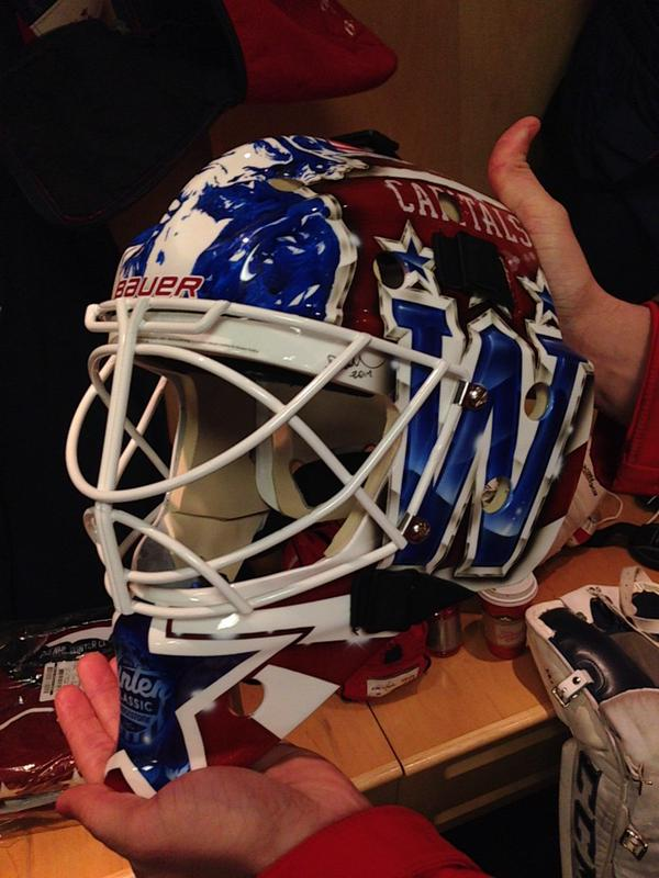holtby-winter-classic-mask2