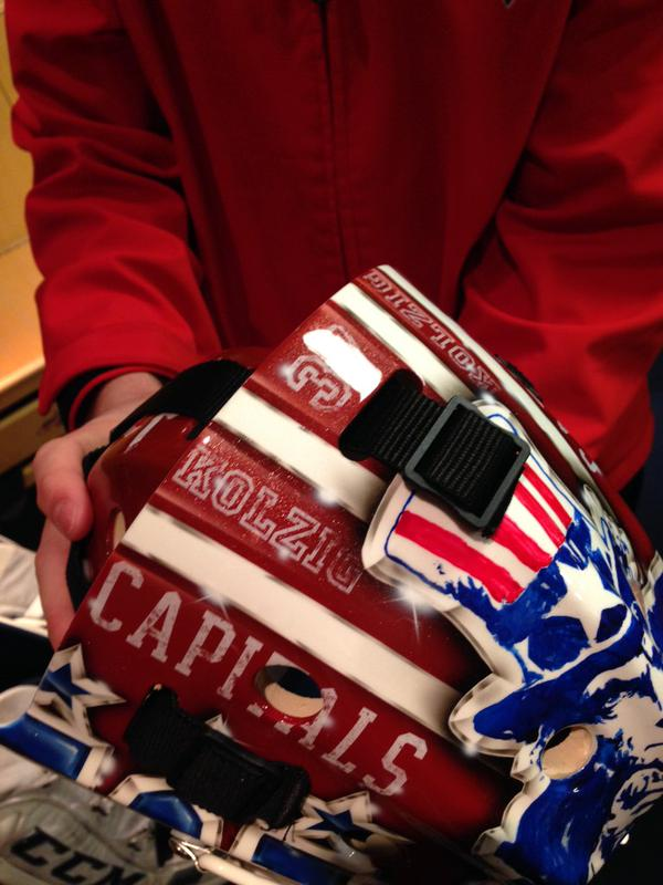 holtby-winter-classic-mask4