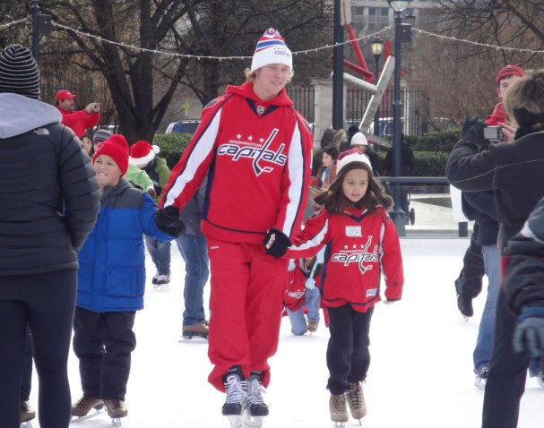 nick-backstrom-skating-with-kids3