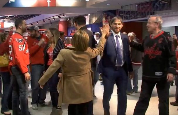 ovechkin-walks-through-concourse