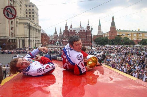 ovi-russia-parade8