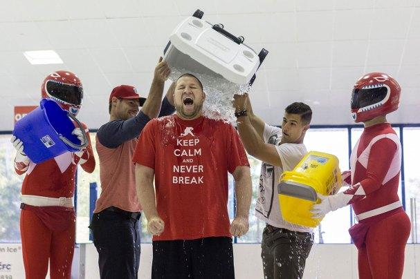 rmnb-ice-bucket-challenge3