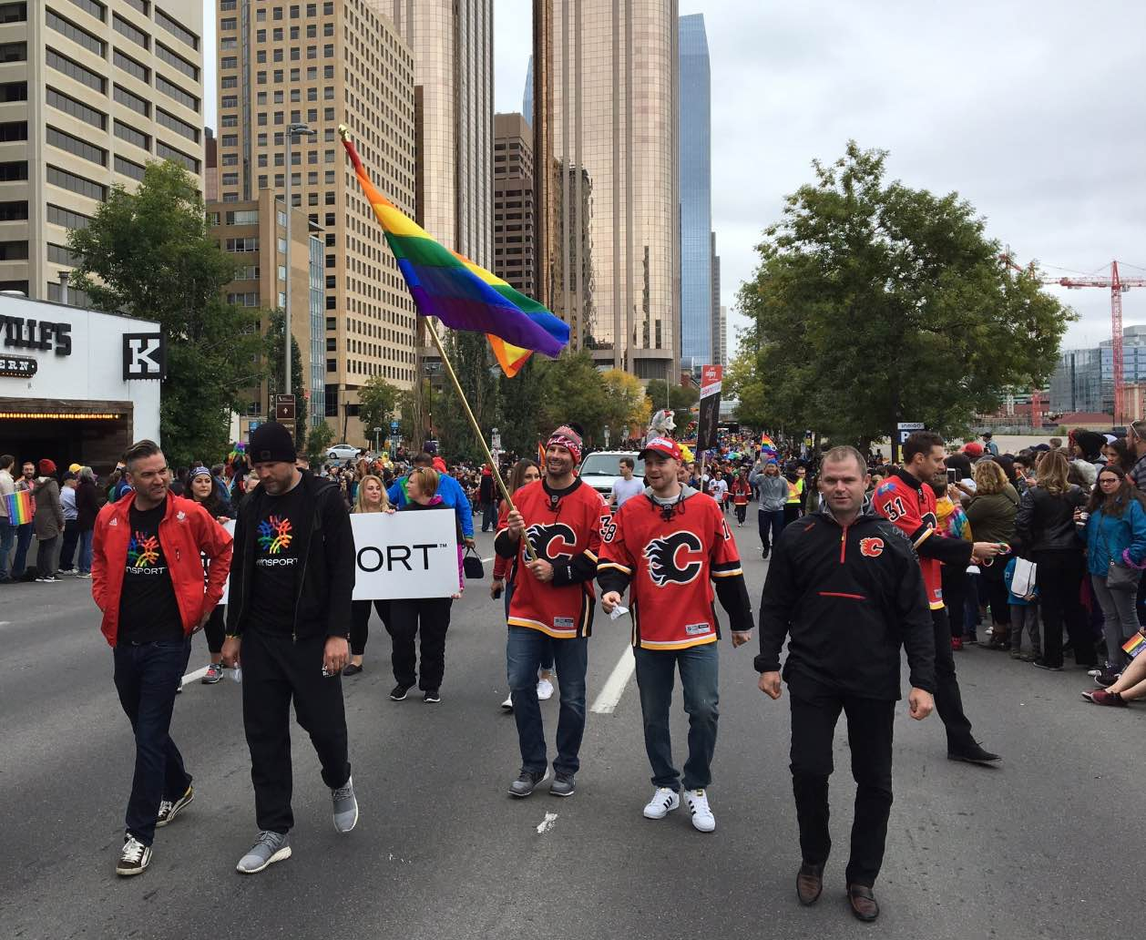 troy-brouwer-pride-parade3