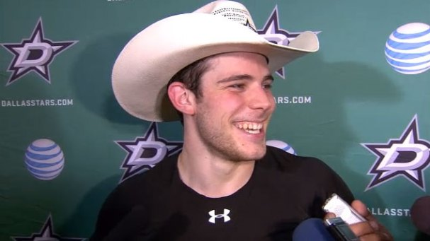 tyler-seguin-cowboy-hat-yall