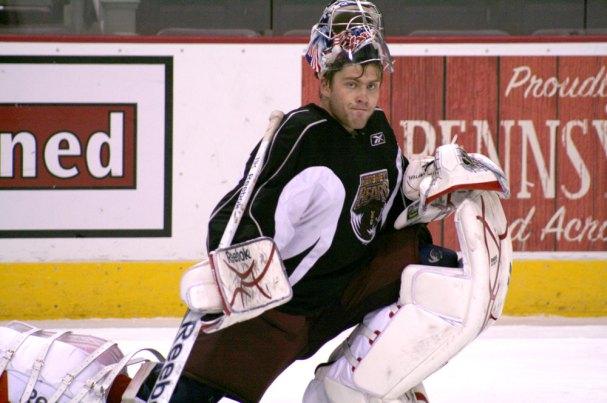 Semyon Varlamov stretches