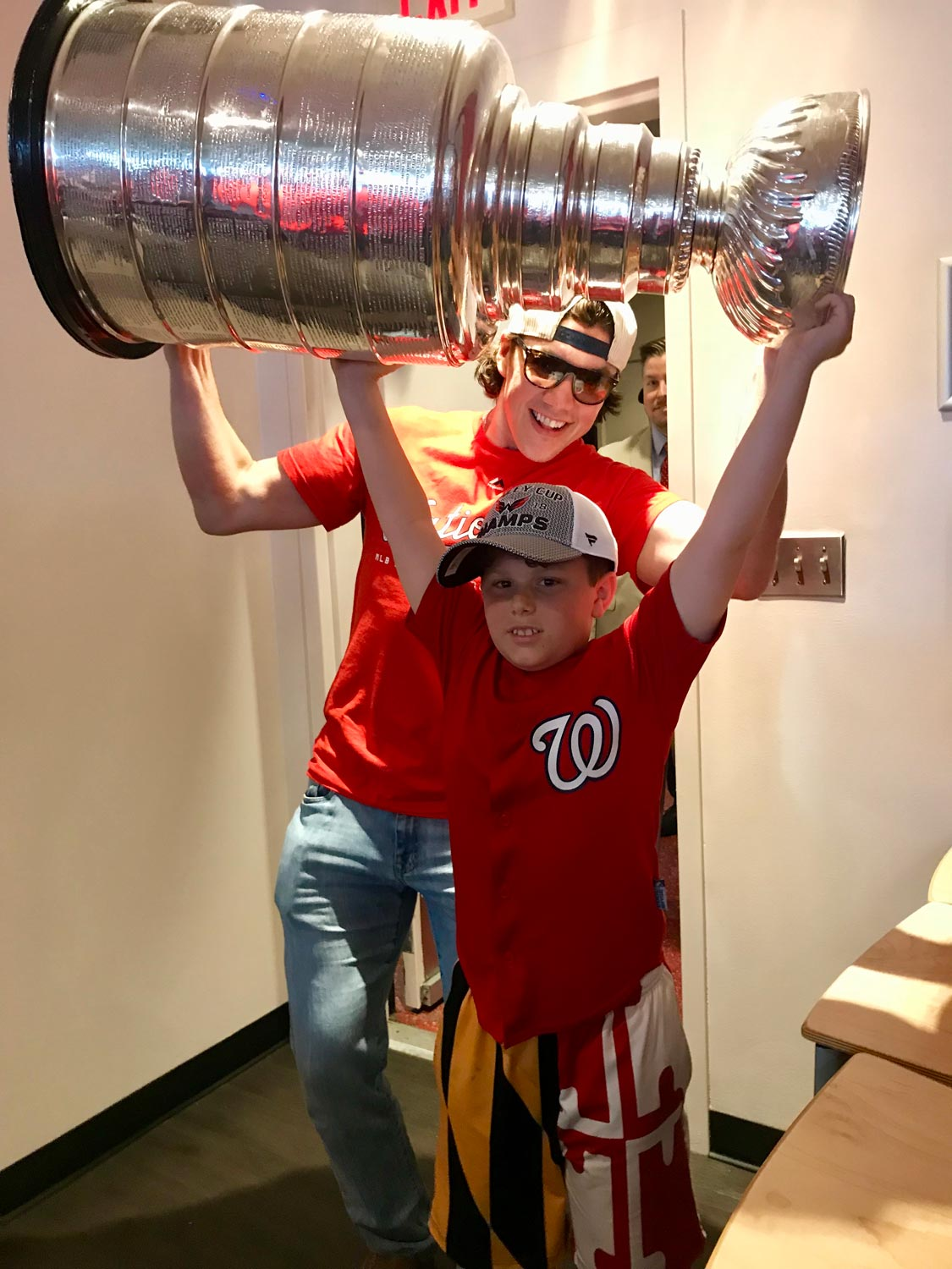 TJ Oshie raises Stanley Cup with Andy