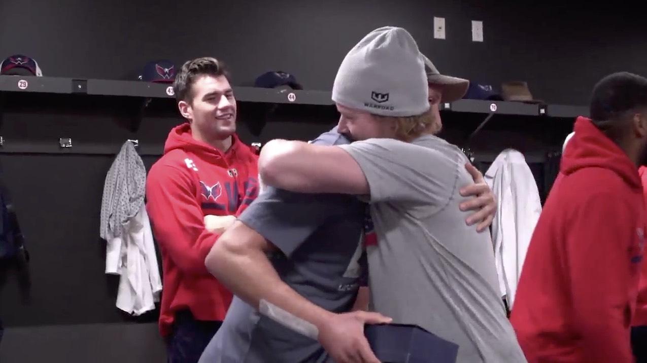 Jay-beagle-nicklas-backstrom-hug