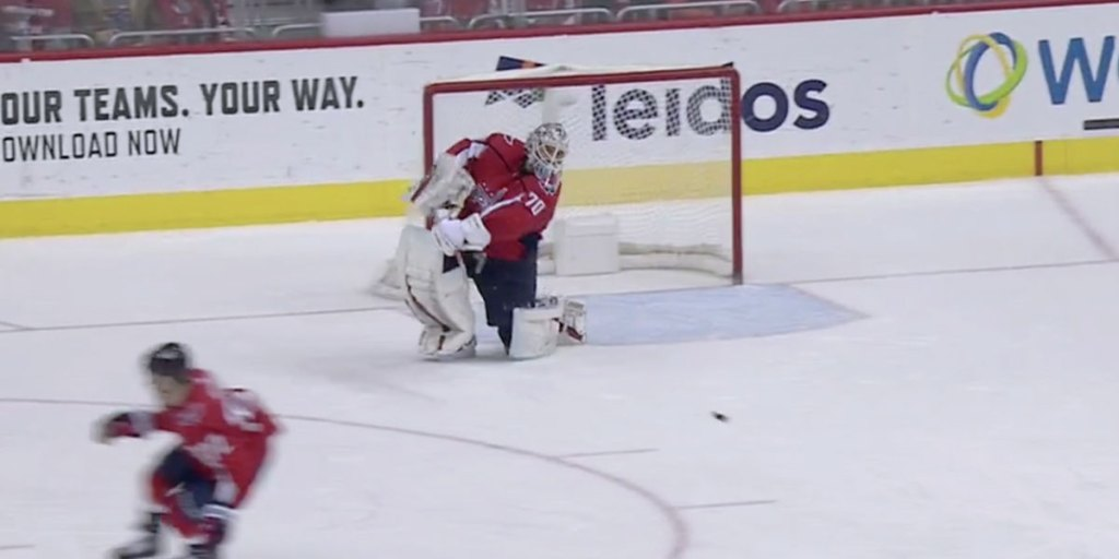 Braden Holtby Is Now Tied For The League Lead In Goalie Points After An Assist On Chandler Stephenson S Goalrmnb