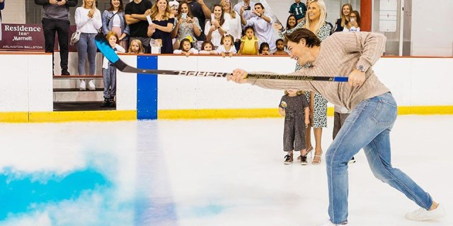 It's a boy! TJ and Lauren Oshie hold gender-reveal at Capitals training rink